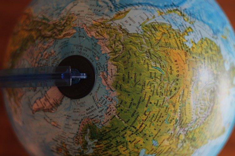 Top 10 des métiers pour voyager à travers le monde